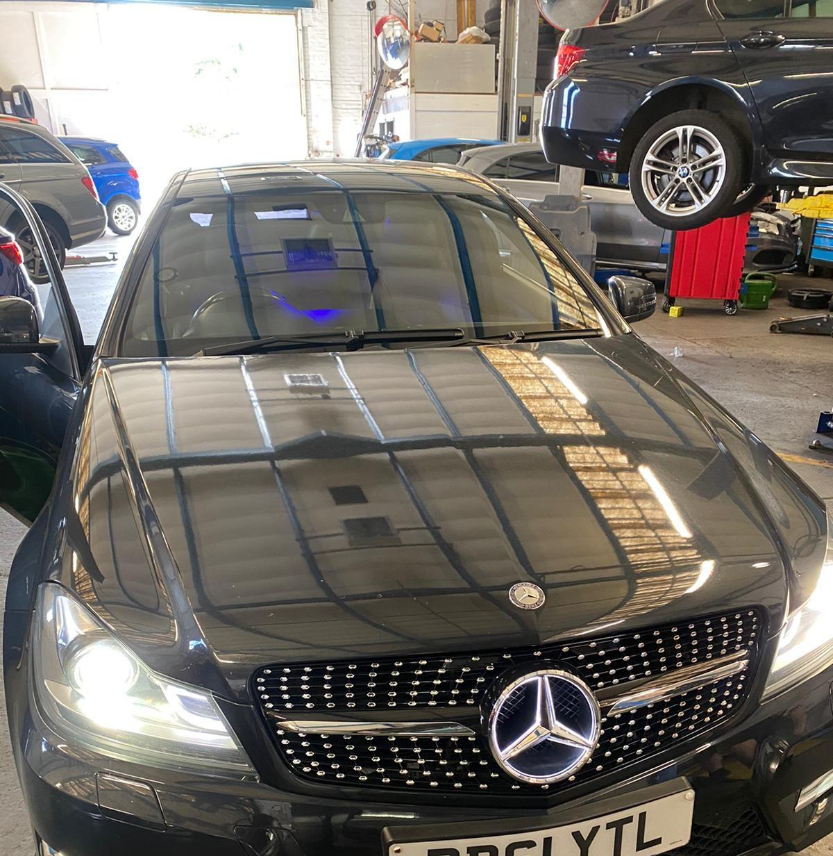 Mercedes Bonnet Open Fault